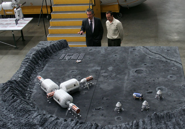 Private Moon Bases a Hot Idea for Space Pioneer