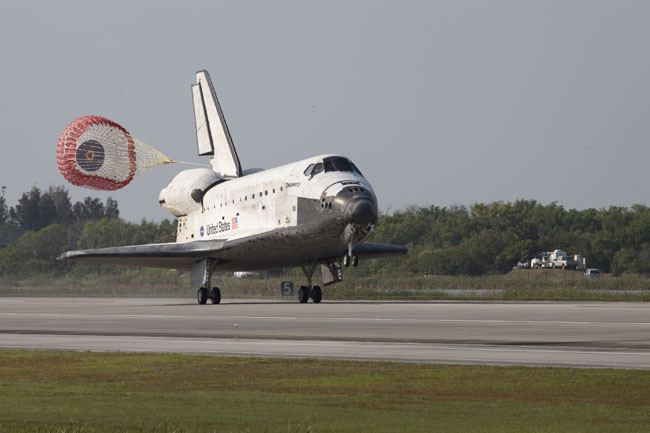 Space Shuttle Move Delayed By Broken Water Pipe