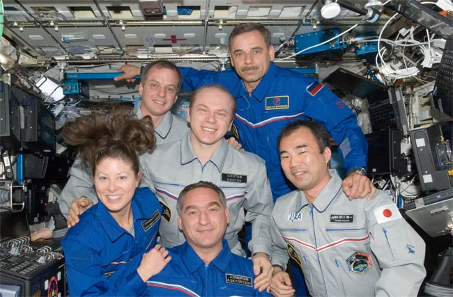 Space Station Astronauts to Land Tonight