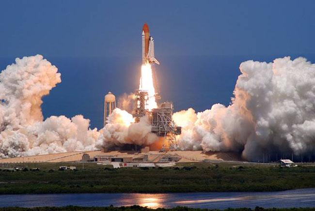 last space shuttle moon - photo #13