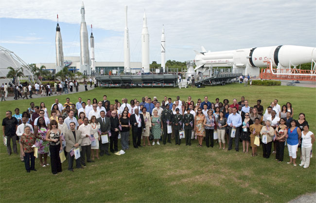 New U.S. Citizens Sworn In at NASA Spaceport