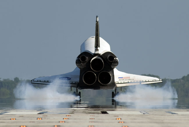 NASA Delays Deciding Where Retired Space Shuttles Will Be Displayed
