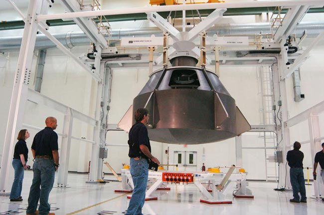 Lockheed, Lawmakers Urge NASA to Maintain Funding for Orion Space Capsule