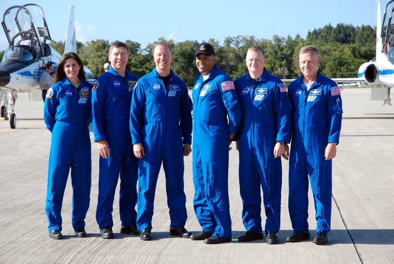 Space Shuttle Discovery's Last Crew Arrives at Launch Site