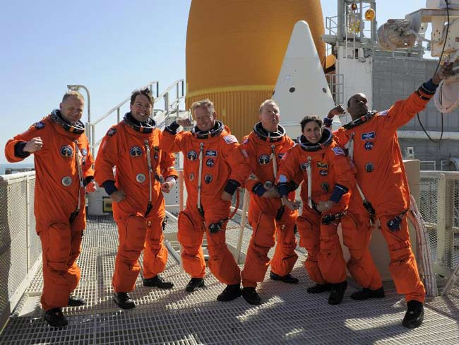 Shuttle Discovery's Final Crew is an Experienced Astronaut Bunch