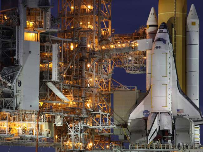 Shuttle Discovery's Gas Leaks Repaired in Time for Wednesday Launch