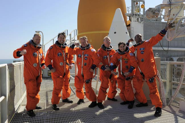Discovery Shuttle Astronauts Cut Loose in Goofy Photo