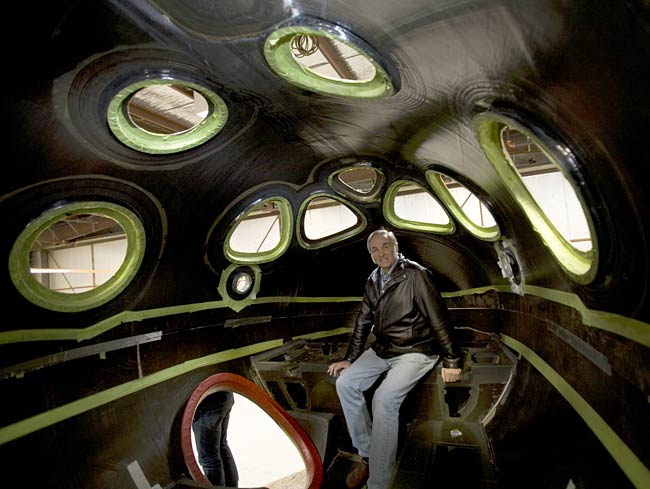 Legendary Private Spaceship Designer Burt Rutan Announces Retirement
