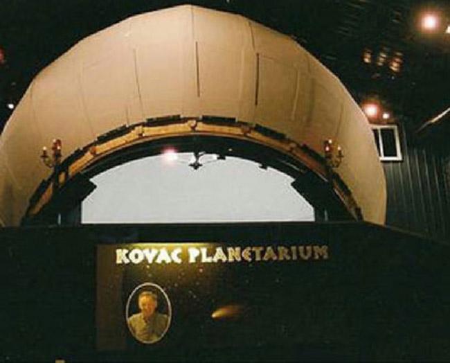 Wisconsin Man Builds Backyard Planetarium