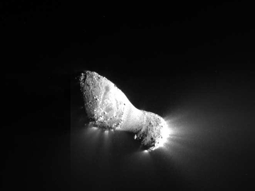 This close-up view of comet Hartley 2 was taken by NASA's EPOXI mission during its flyby of the comet on Nov. 4, 2010. It was captured by the spacecraft's Medium-Resolution Instrument.
