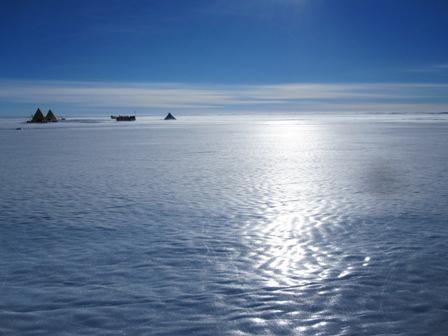 Meteorite Hunters Undaunted by Antarctica's Challenges