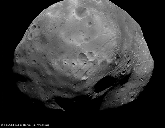 In this picture, seven close-up views of Phobos, taken by the Super Resolution Channel on the High Resolution Stereo Camera, are superimposed on the wider view.