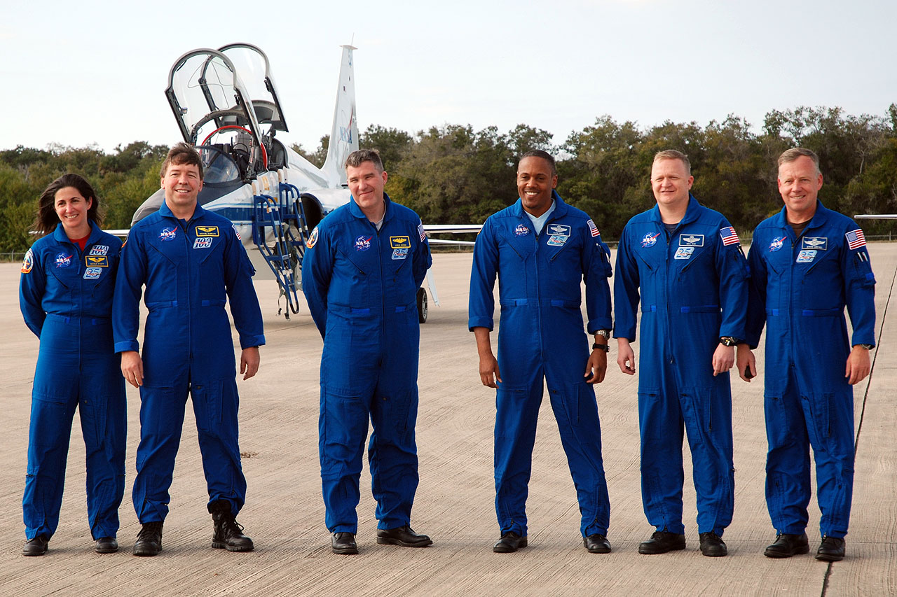 STS-133 Crew Arrives