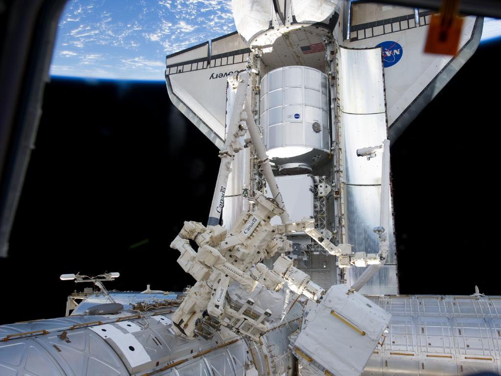 Astronauts to Give Space Station a New Closet