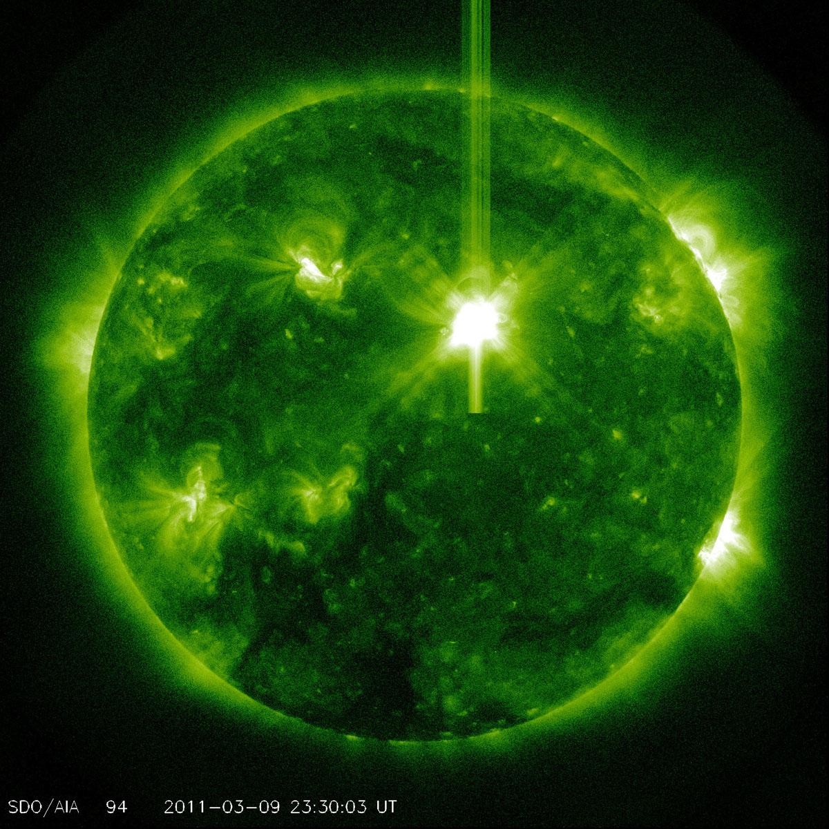 Major Solar Flare Erupts, May Make Auroras Visible in Northern U.S.