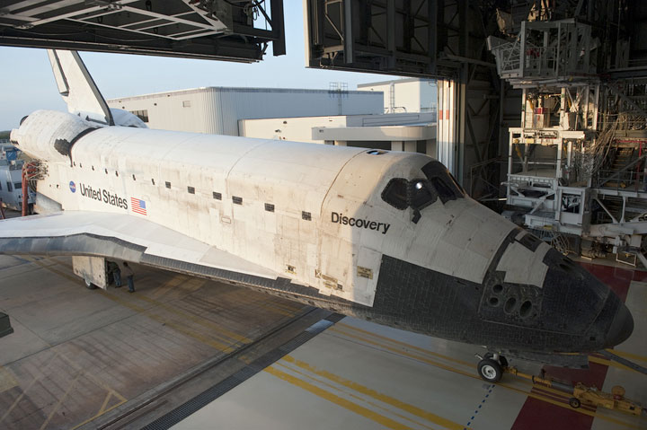 Space Shuttle Discovery Rolling into Orbiter Processor Facility-2