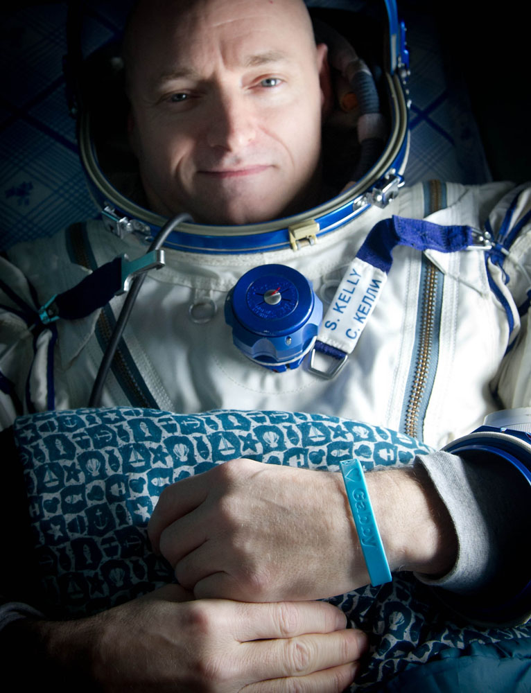 Giffords Wristband Worn by Her Husband's Astronaut Twin in Orbit