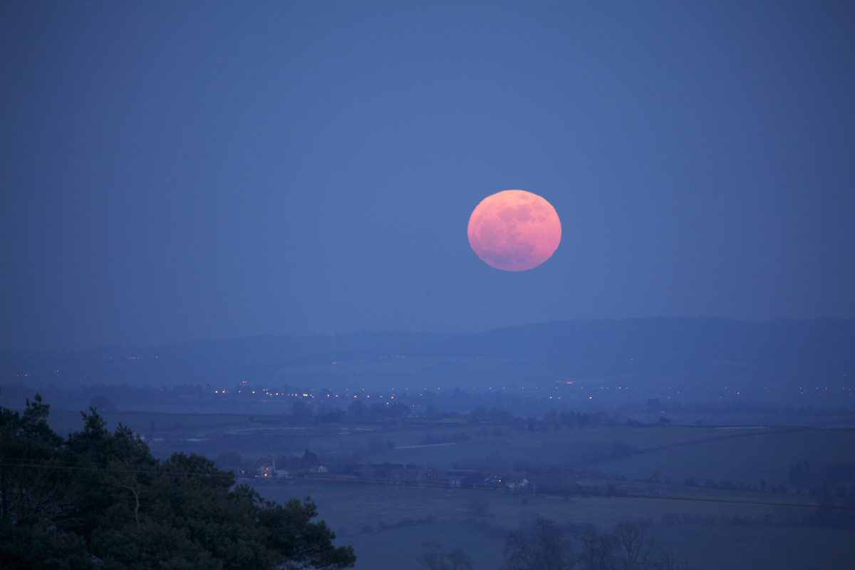 Supermoon Rises: The Full Moon of March 19, 2011