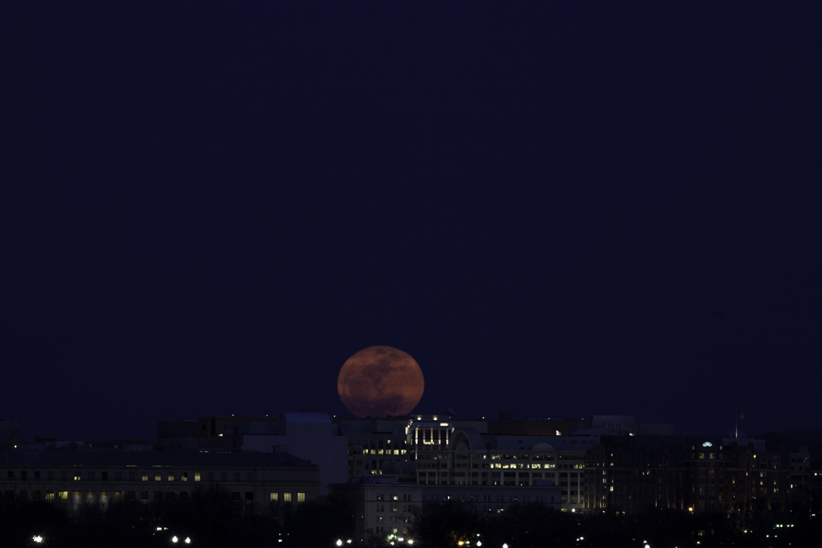 Supermoon: Washington, D.C.