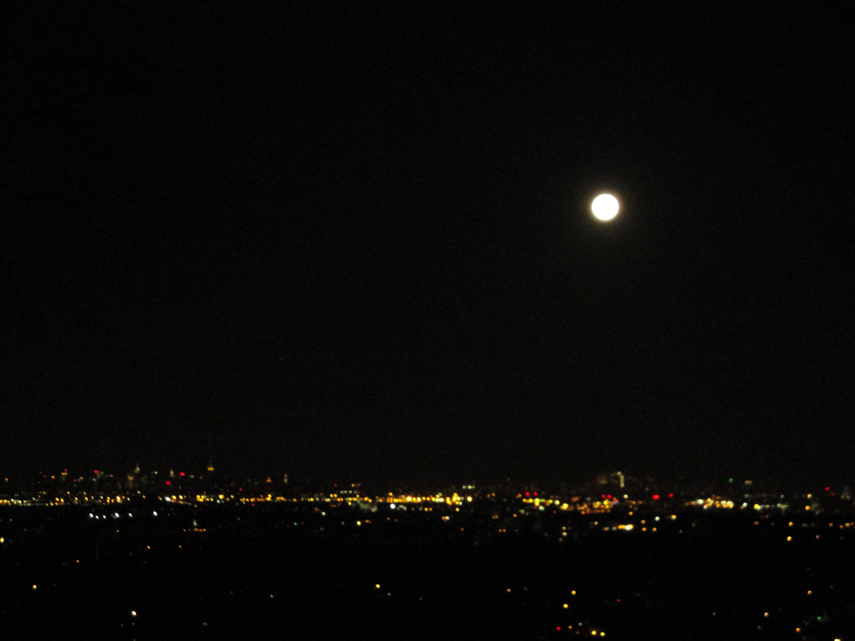 Supermoon: Big Light, Big Cities