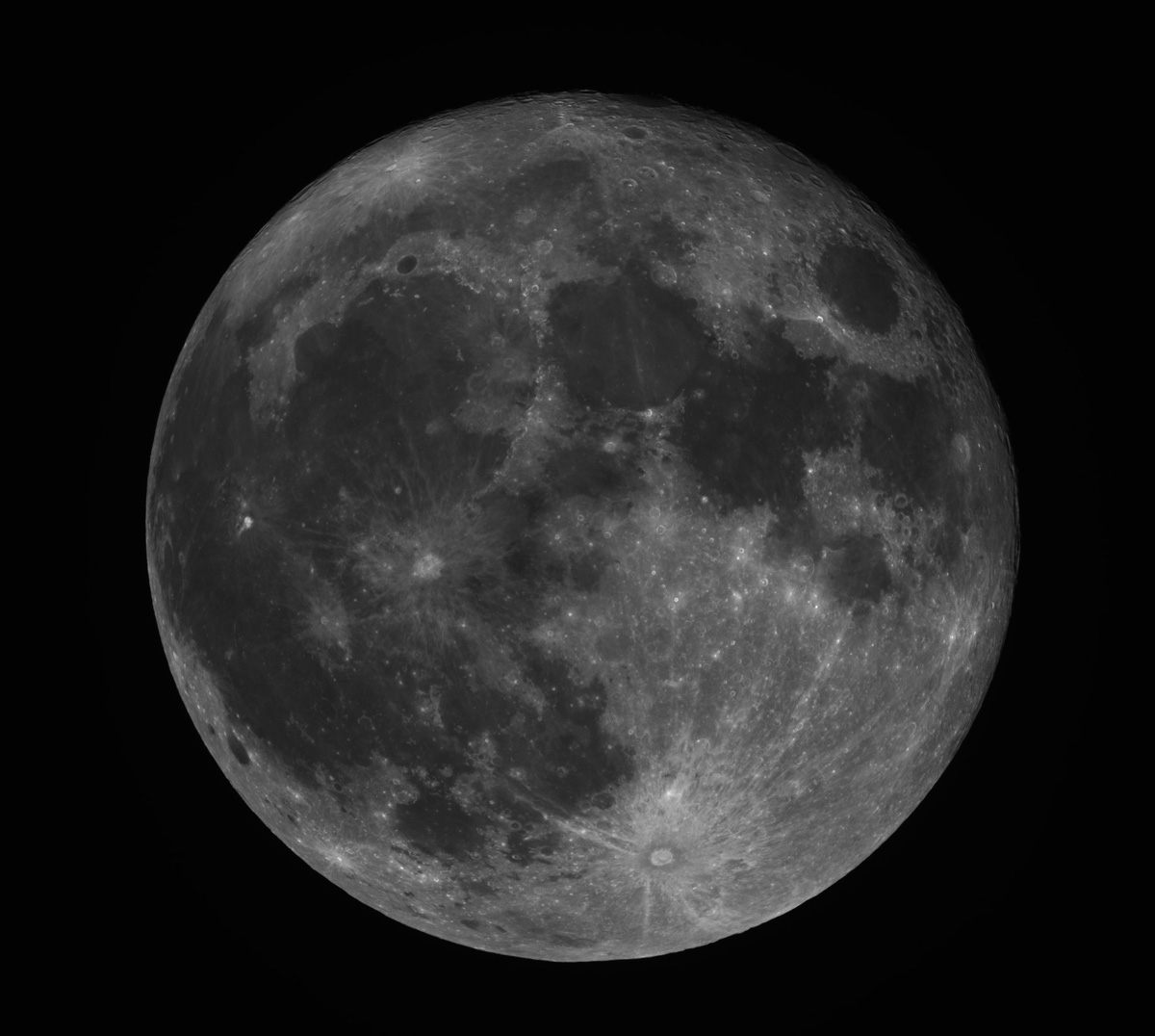 Moon May Be Younger Than You Think, Evidence Suggests