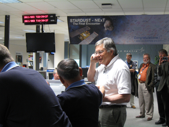 Don Brownlee, space scientist and a principle investigator on the Stardust mission from Washington University, offered his congratulations to the spacecraft team for a mission well done.
