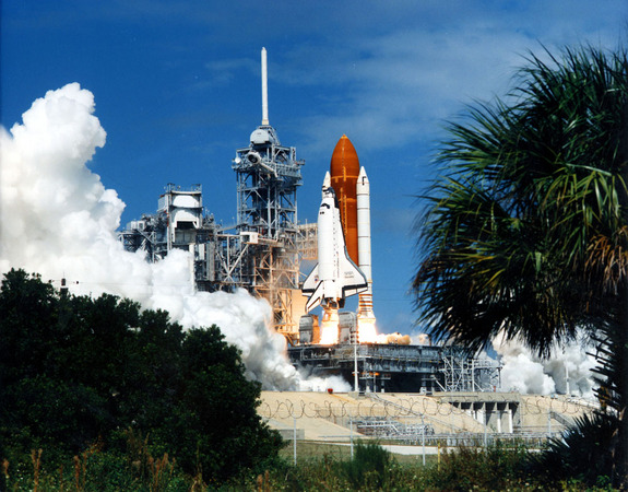 The shuttle Discovery lifts off on the first Return-to-Flight mission, the STS-26 voyage.