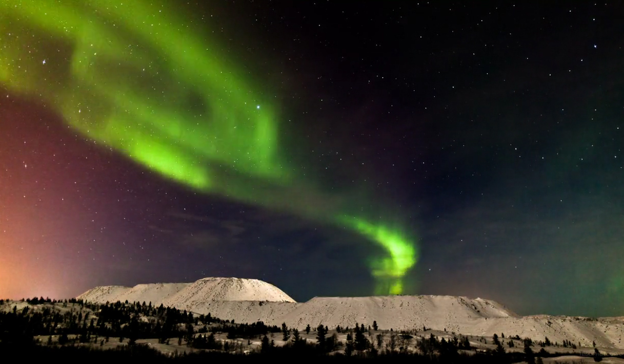 'The Aurora': Photographer Films Amazing Northern Lights Show