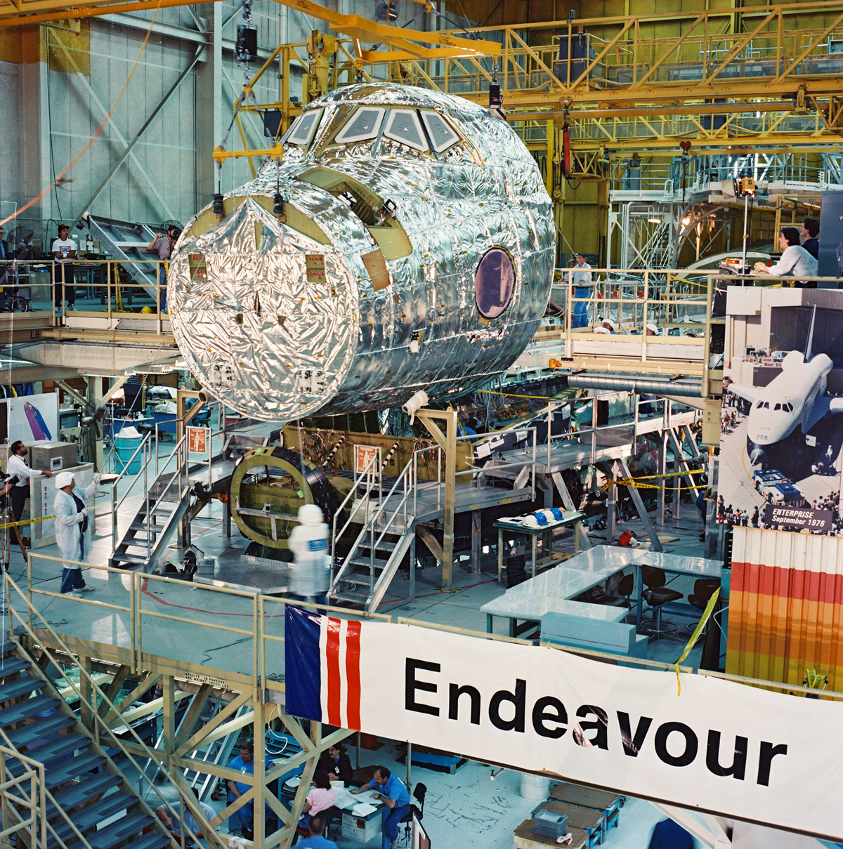 Endeavour's Forward Fuselage/Crew Module Installation