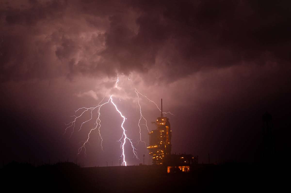Lightning Strikes Behind Shuttle Endeavour in Spectacular Photos