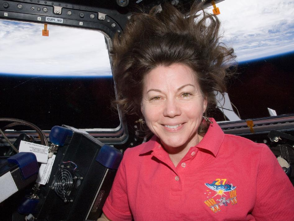 Mother's Day in Space: Astronaut Mom Connects With Son From Orbit