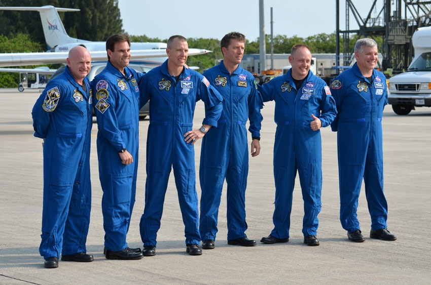 Astronauts Return to Florida for Monday Shuttle Launch