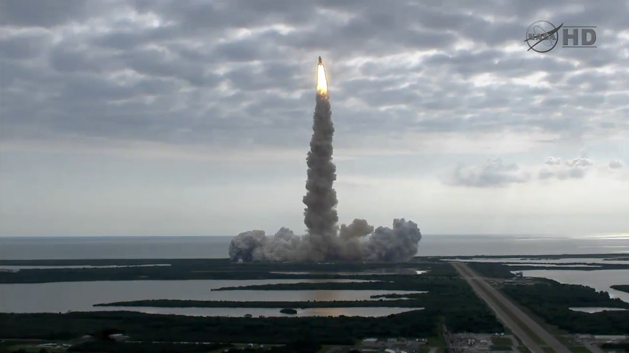 Endeavour Launch Seen from a Distance