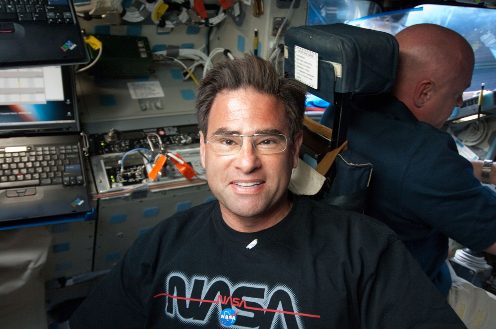 Astronaut Chamitoff Aboard Endeavour in Orbit