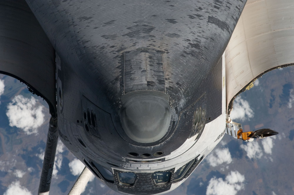 Endeavour Noses in for Docking