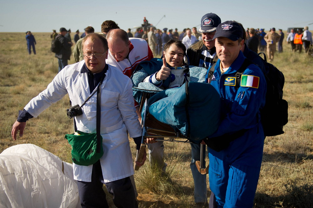 Expedition 27 Flight Engineer Paolo Nespoli Post-Landing