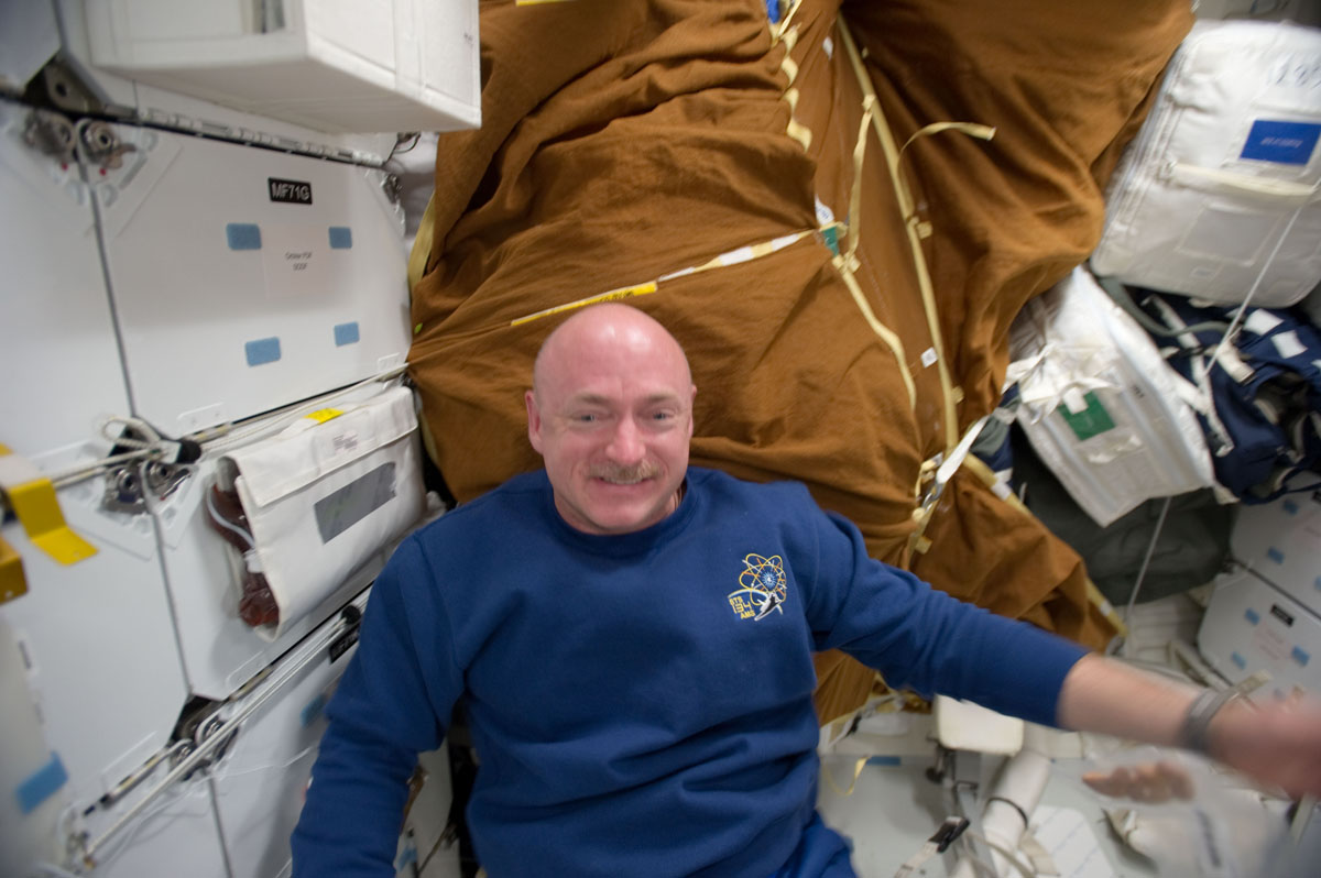Rep. Giffords' Astronaut Husband to Share Views of Earth From Space
