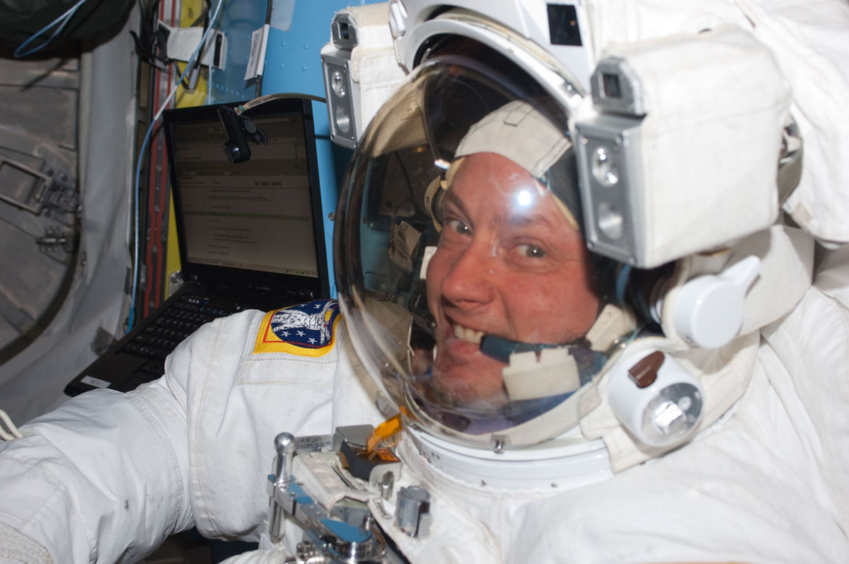Astronaut Breaks US Spaceflight Record in Orbit