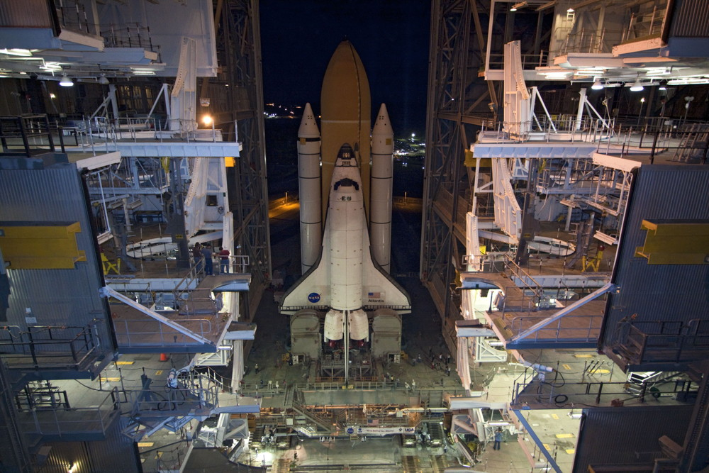 Atlantis Rolls Out of the Vehicle Assembly Building