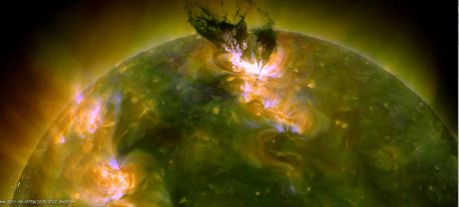 Gargantuan Sun Explosion Rocks Astronomers
