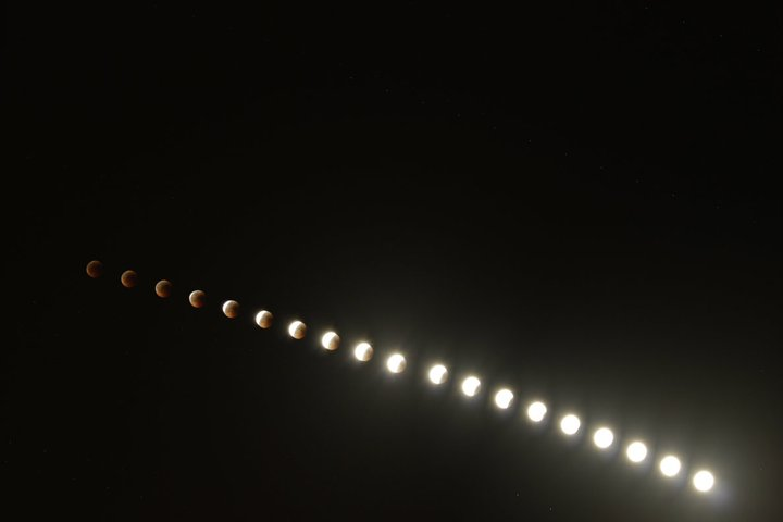 Total Lunar Eclipse of June 15, 2011 Time-Lapse