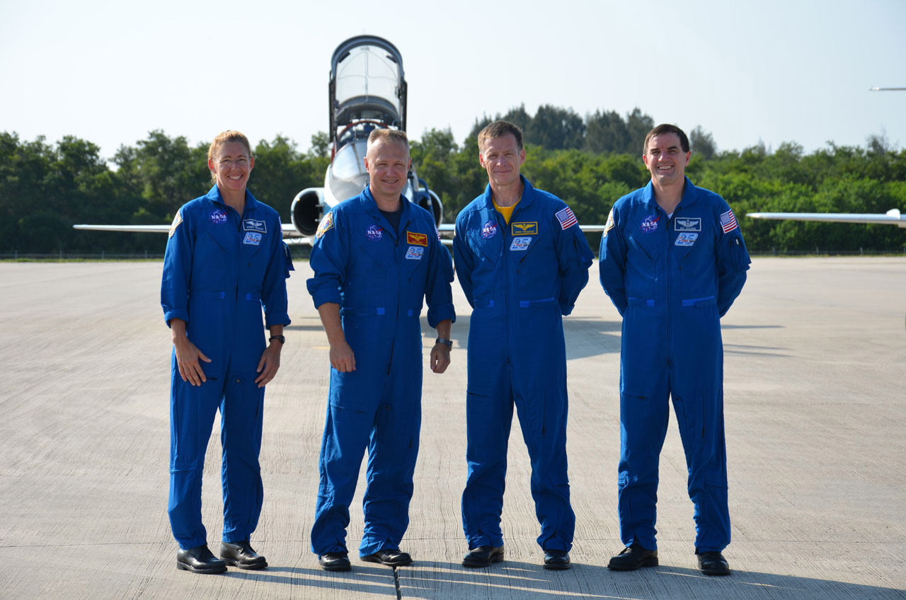 Last Shuttle Crew Arrives at NASA Spaceport for Launch Practice