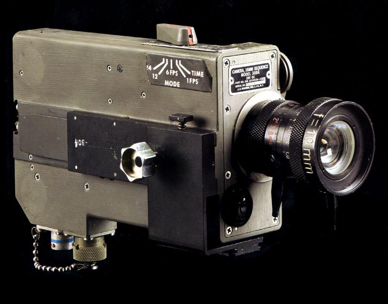 Moon Camera Debate: U.S. vs Apollo 14 Astronaut