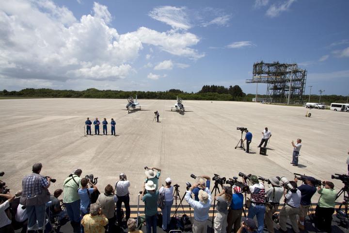 STS-135 Crew Members Speak To Media