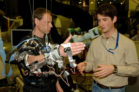 Astronauts May Use Exoskeleton Arm for Robot