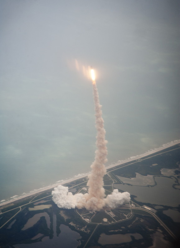 Striking NASA Photos Show Last Shuttle Launch From Above