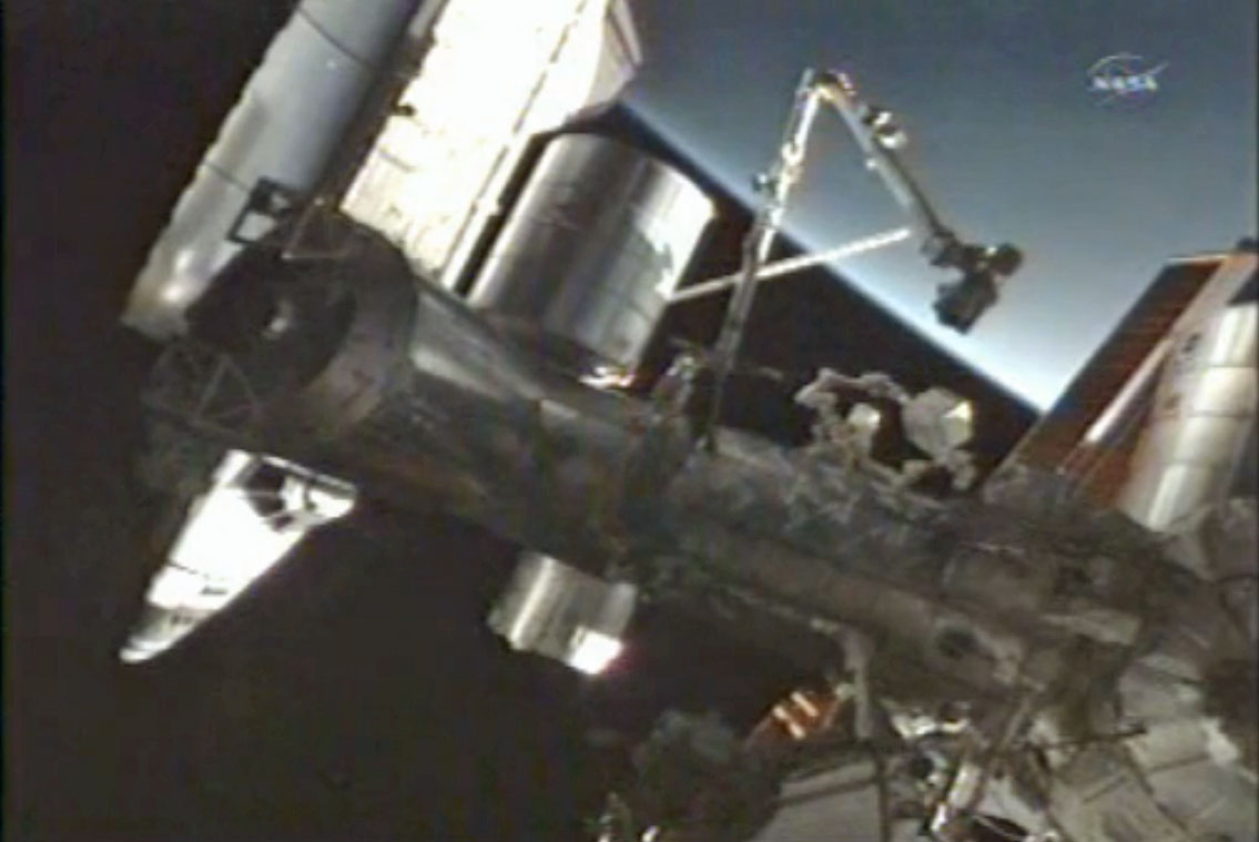 Space Shuttle Computer Failure Wakes Sleeping Astronauts