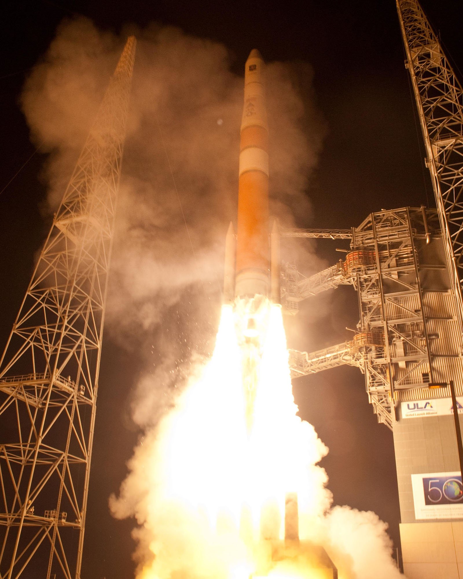 Delta 4 Rocket Blasts Off with GPS Satellite on July 16, 2011