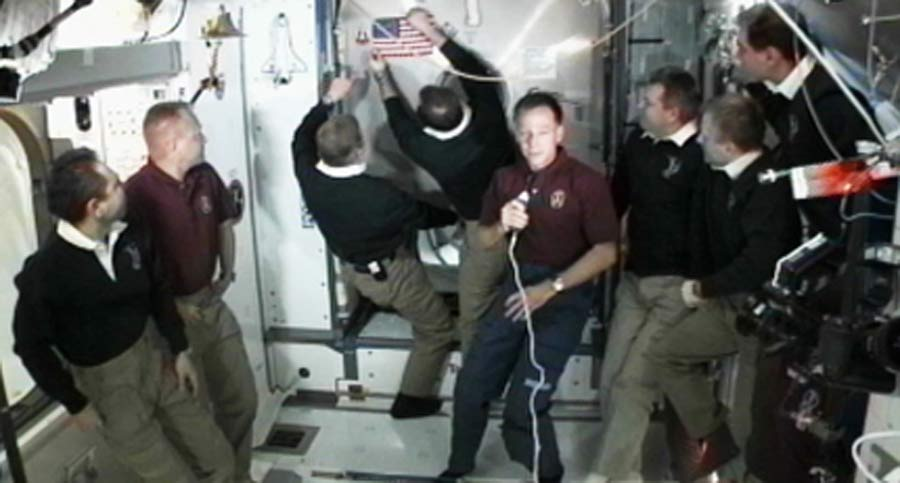 Final Space Shuttle Crew Says Last Goodbyes in Orbit