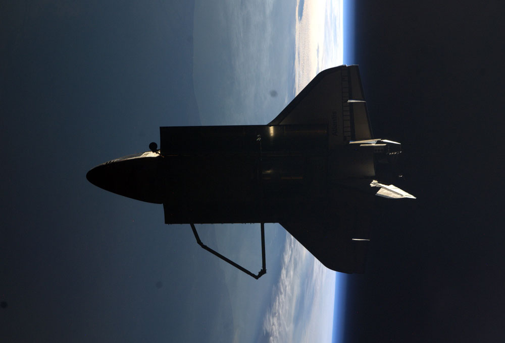 the purpose of the space shuttle The space shuttle was designed to be a partially manned reusable launch and reentry system, transporting astronauts to and from space each shuttle was designed to handle at least 100.